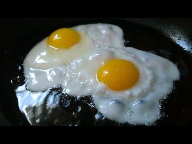 صورة تفسير رؤية البيض المقلي في المنام , رؤية البيض في الحلم