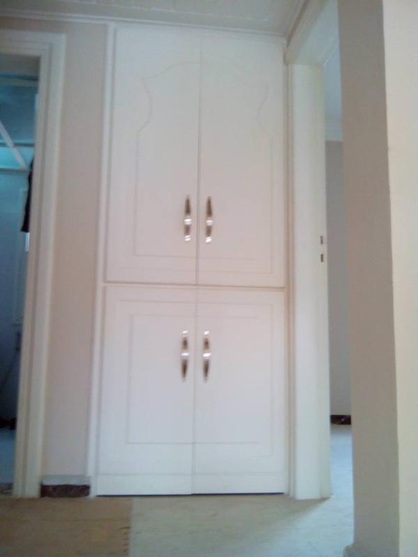 صورة دهان الخشب لاكيه , اريد ان اجدد باب الشقة