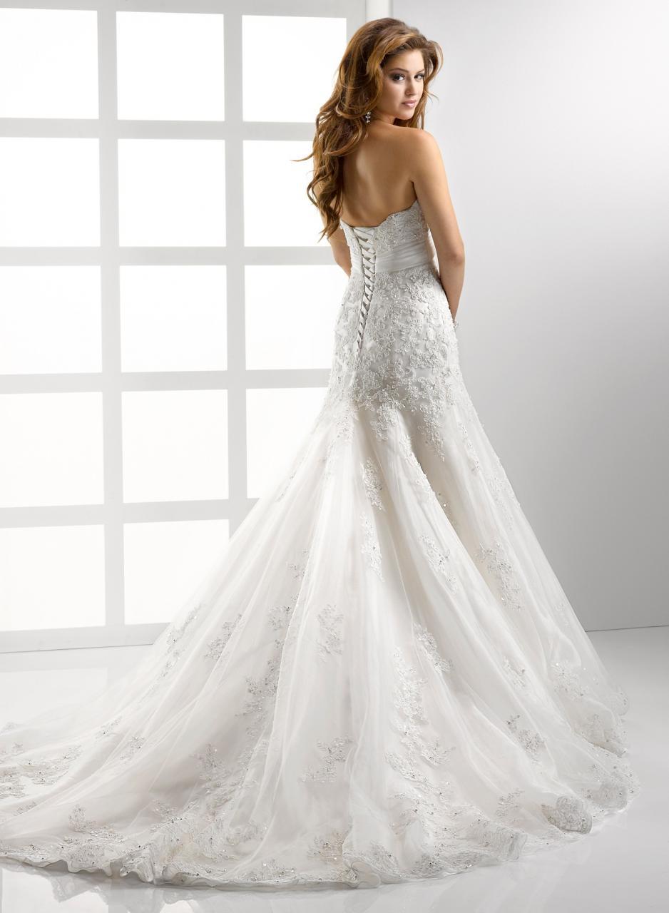 صورة رؤية فستان الزفاف في المنام للمتزوجة , انا متزوجة و لكن حلمت انى اتزوج