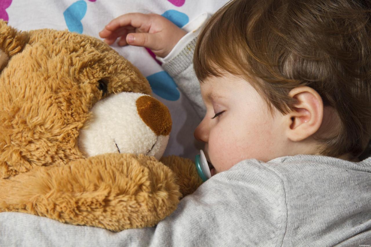 صورة عدم نوم الرضيع , طفلى الصغير لا ينام