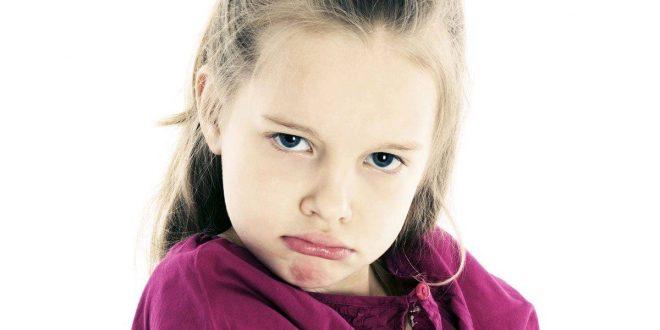 صورة علاج العناد عند الاطفال , تصرفات طفلك الغير معقولة