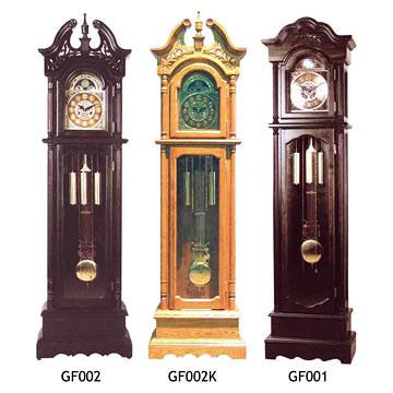 صورة ساعات حائط كلاسيك , اضيفي لمسة جمال الى حائط منزلك