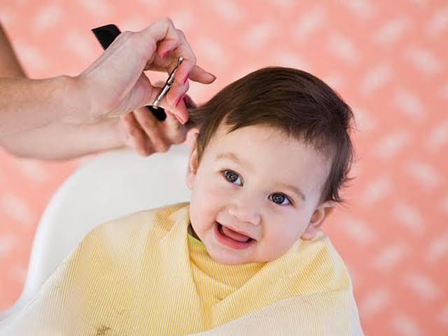 صورة قص شعر الاطفال الرضع ,وزن شعره دهب