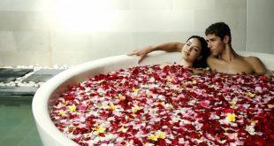 كيف اغري زوجي بالحمام